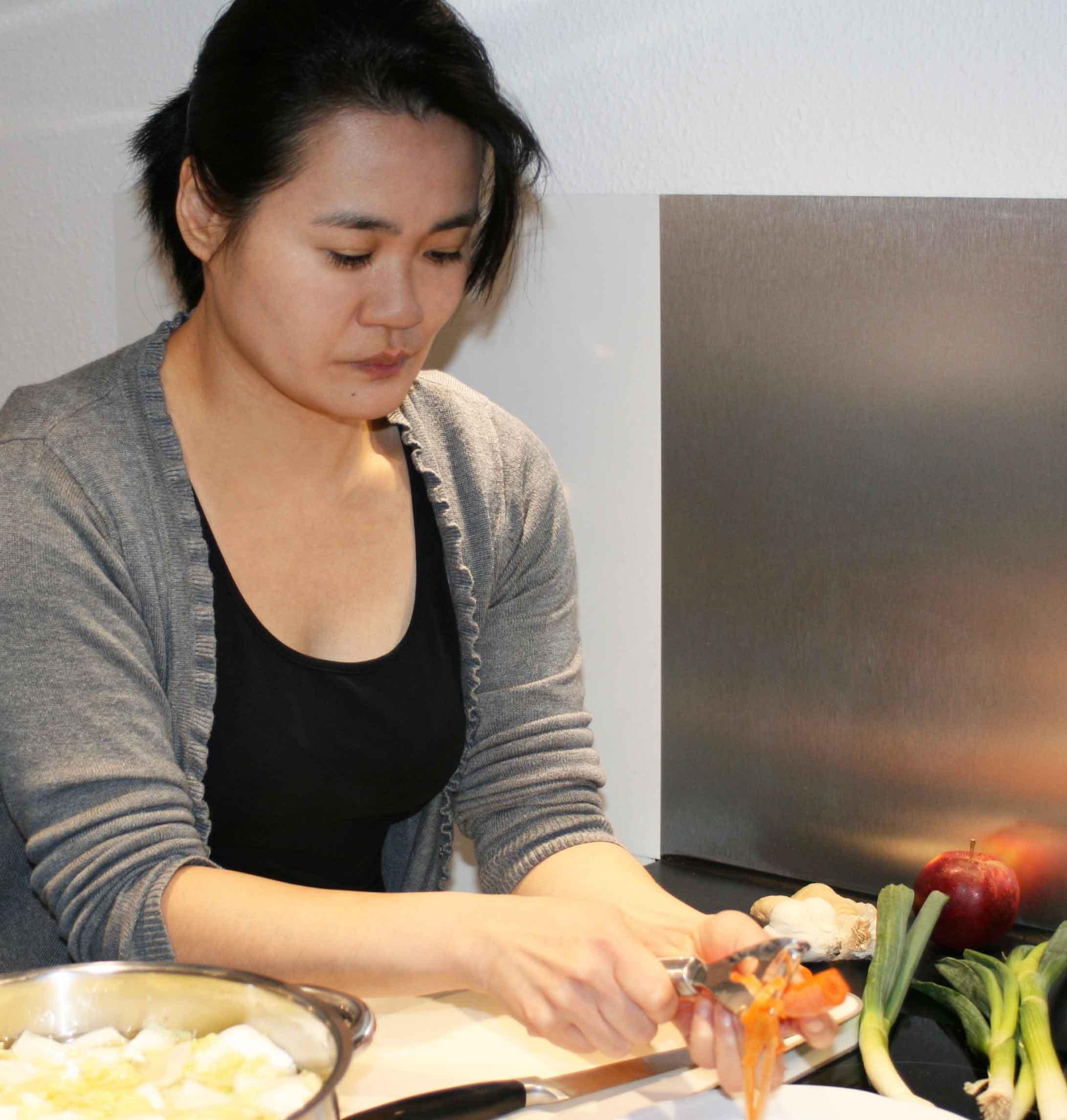 Möhren schälen für Kimchi