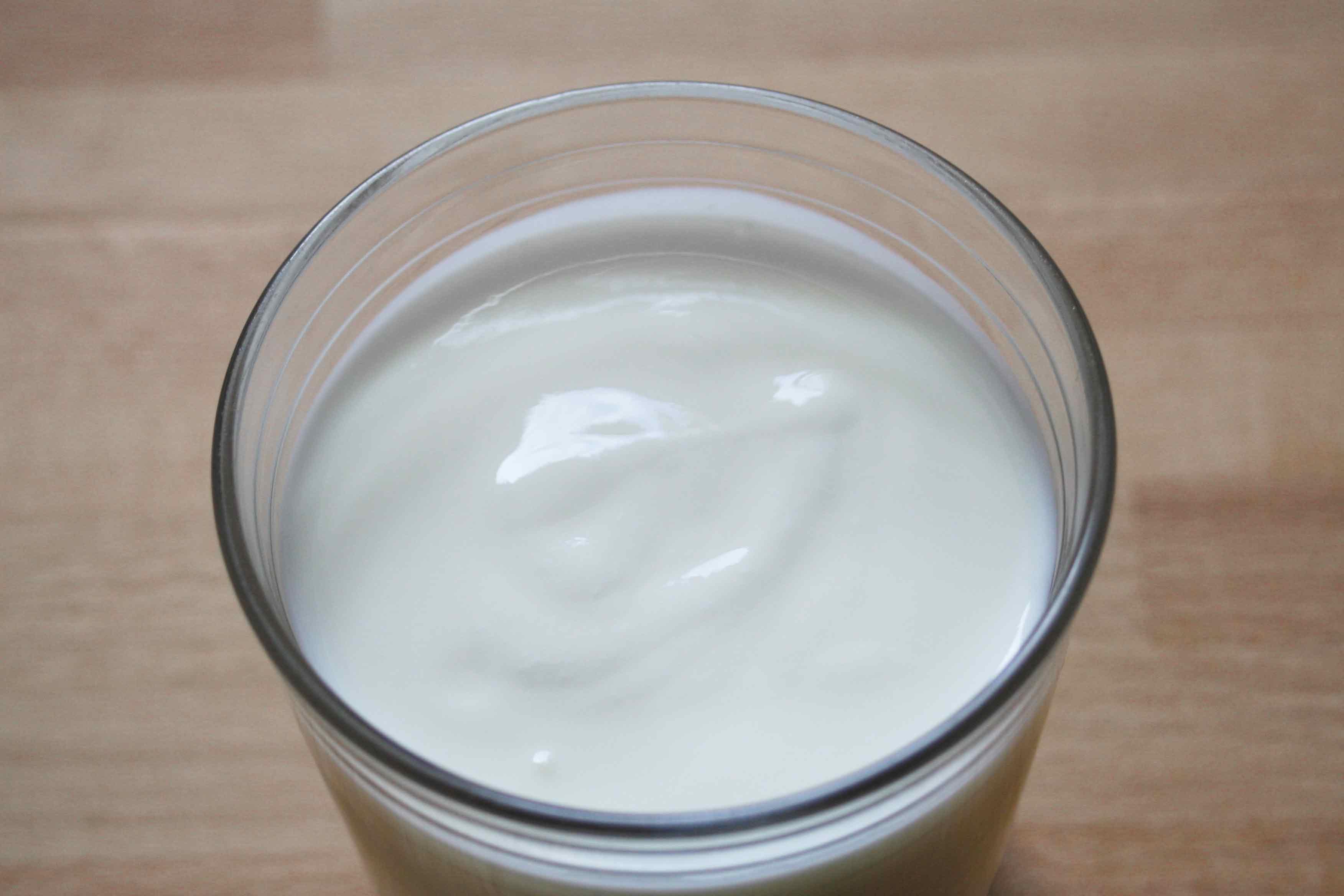 Ein Glas Milchkefir